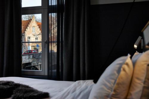 Wulfhagestraat 43, 8000 Bruges, Belgium.