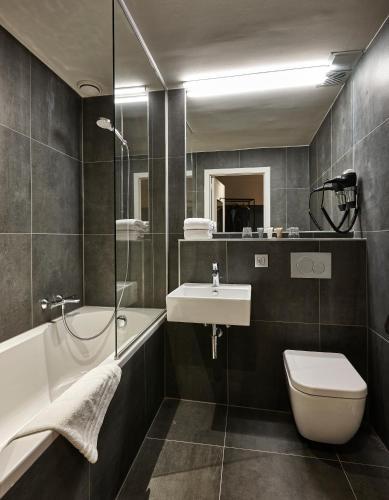 Hotel Monsieur Ernest Стандартный двухместный номер с 1 кроватью и видом на канал