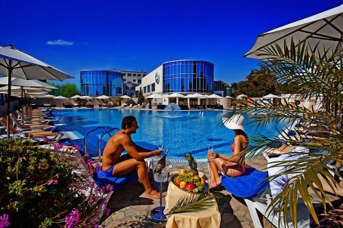. Grand-Marine Hotel & SPA