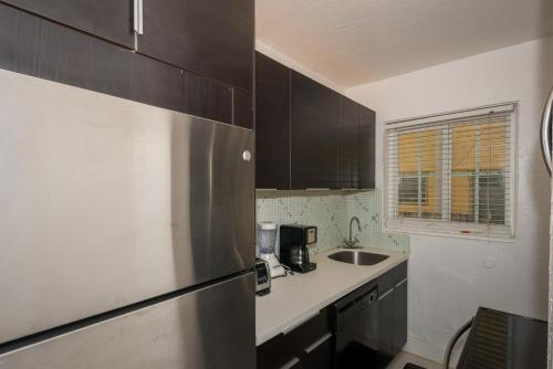 Courtyard Two-Bedroom Apartments by Royal Stays - Miami Beach, FL 33139