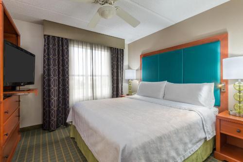 Homewood Suites by Hilton Orlando-Nearest to Univ Studios - Orlando, FL 32819