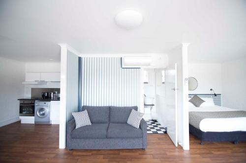 . Siesta Central Apartments