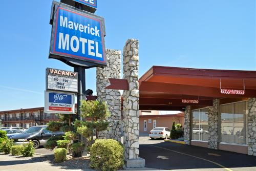 . Maverick Motel