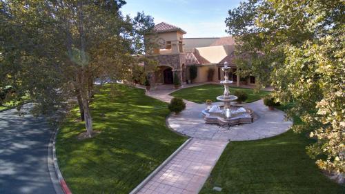 4350 Barnes Road, Santa Rosa, California 95403, United States.