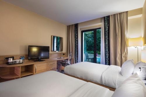 Istanbul Hilton Garden Inn Istanbul Golden Horn yol tarifi