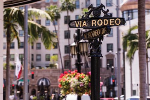 9500 Wilshire Boulevard, Los Angeles, 90212, United States.