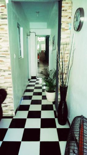 Foto - Aarony House