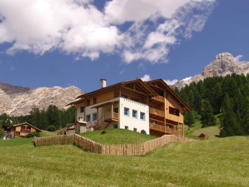 Apartments Serghela - San Cassiano