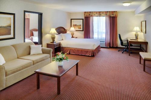 Pomeroy Inn And Suites Fort St. John