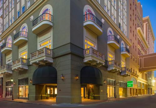 . Courtyard by Marriott New Orleans French Quarter/Iberville