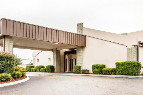 . Executive Inn and Suites