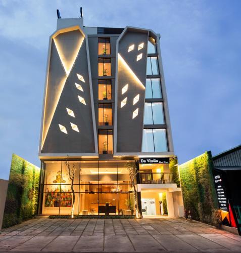 . Yellow Star Ambarukmo Hotel