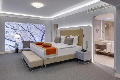 Strastnoy boulevard, 2, Moscow 125009, Russia