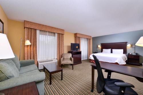 Hampton Inn & Suites Fort Belvoir Alexandria South