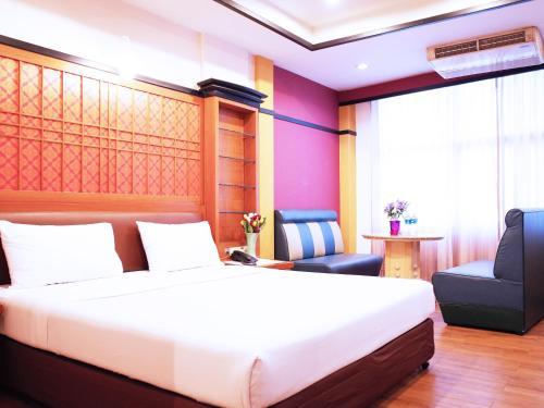 Bavana Hotel photo 32