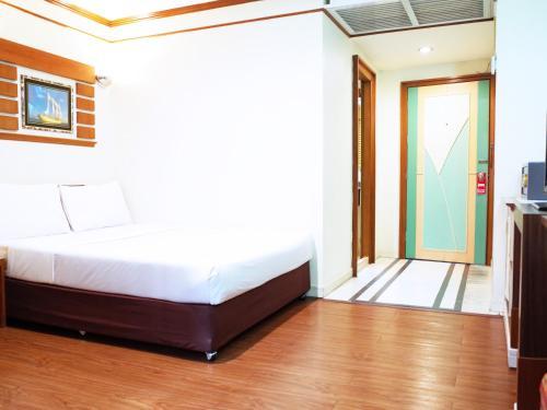 Bavana Hotel photo 34