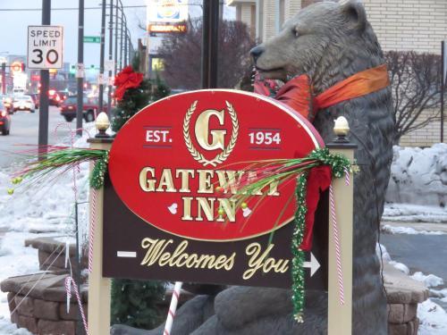 Hotel Gateway Inn
