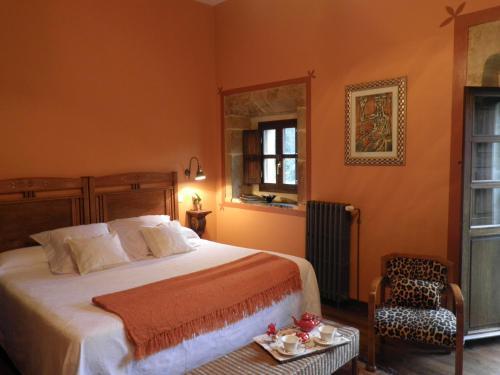 Double or Twin Room Casona de San Pantaleón de Aras 24