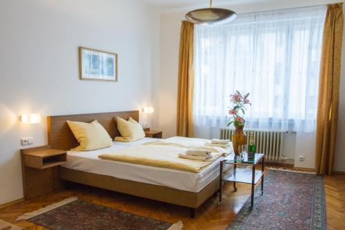 Hotel Pension Karnet
