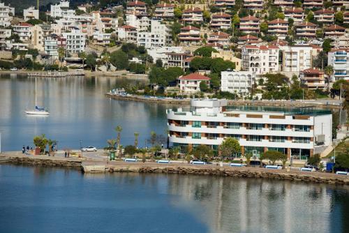 Gulluk Bodrum Gulluk Marina Suites rezervasyon