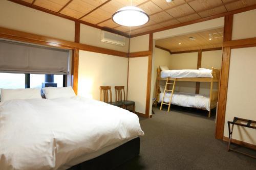 Snowlines Lodge Hakuba image