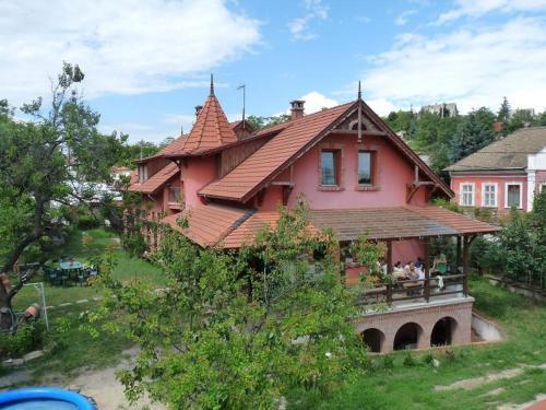 Kerámiapark Guesthaus, Pension in Budapest bei Törökbálint