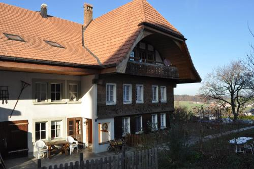 BnB Ancienne Cure - Accommodation - Ependes