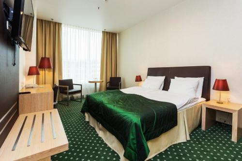. Green City Hotel