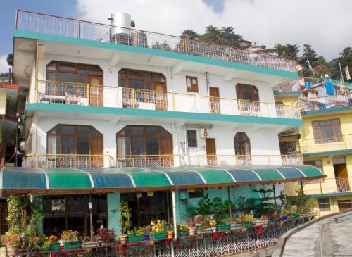 . Green Hotel