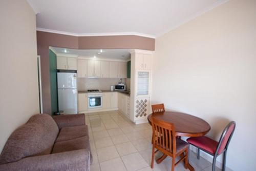 Фото отеля The Swagmans Rest Apartments