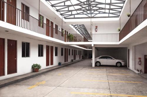 HotelHotel 2000