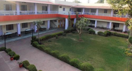 . Hotel Goverdhan Tourist Complex