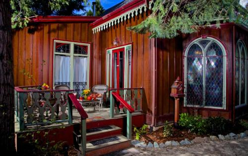 Two Room Inn - Nevada City, CA 95959
