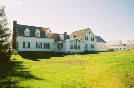 Mountain Village Farm B&b - Kingfield, ME 04947