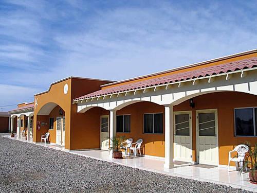 . Hotel Los Caracoles