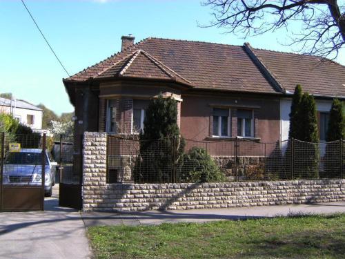 . Ferienhaus in Budapest mit Garten