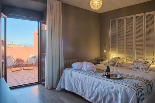 Double Room with Terrace Hotel-Spa Classic Begur 9