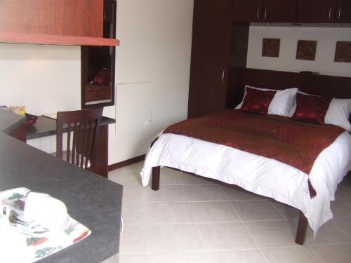 Calico Guest House фото номерів