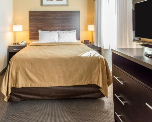 Mainstay Suites Pittsburgh Airport - Pittsburgh, PA 15275
