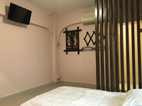 The Grand Palace Hostel photo 3