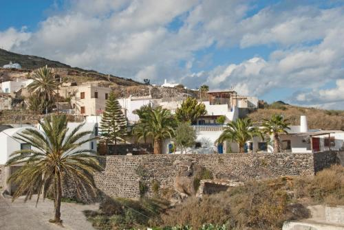 Photo - Old Vourvoulos Houses