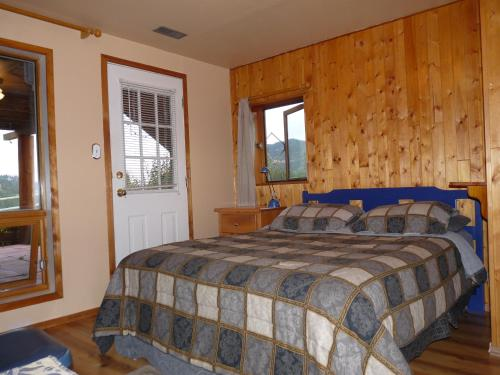 Wildhorse Mountain Guest Ranch Bed & Breakfast - Photo 7 of 19