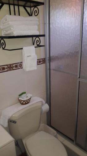 Hotel Acropolis Maya salas fotos