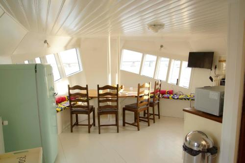 The Island Houseboat photo 14