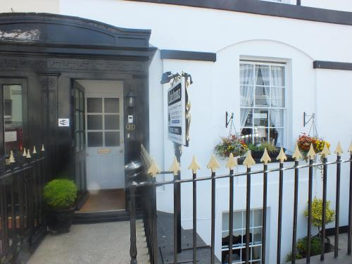 Caledonia Guest House (B&B)