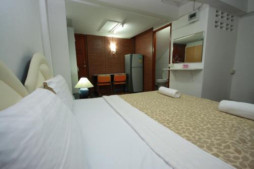 Khun Noy Apartment photo 2