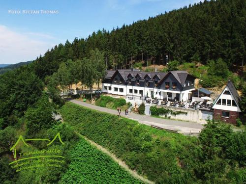 """. Triniushütte Hotel & Ferienwohnung """"Thüringens schönste Aussicht"""""""