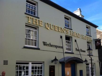 . The Queen's Head Wetherspoon