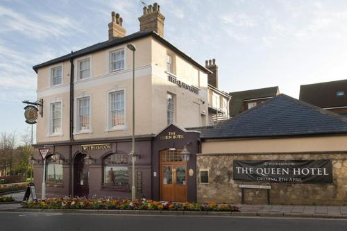 the queen hotel wetherspoon aldershot hampshire south of england