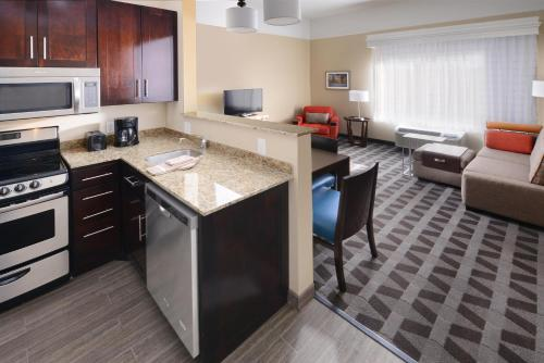 . Top Hotels With 2 Bedroom Suites In Houston  Texas   Trip101